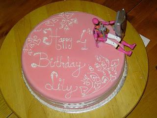 pink cake,pink cakes,pink cake stand,pink cake recipe,pink wedding cake