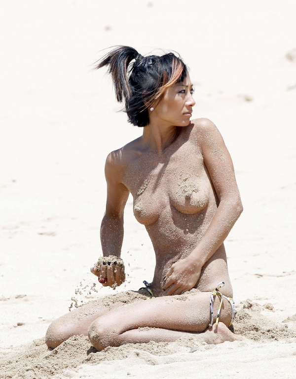 Bai Ling Topless | The Holle: the-holle.blogspot.com/2012/08/bai-ling-topless.html