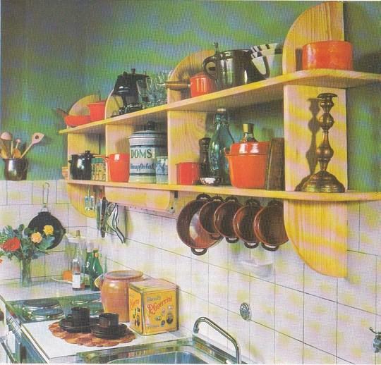 La belle bo te outils r alisez vous m me cette tag re for Cuisine boite a outils