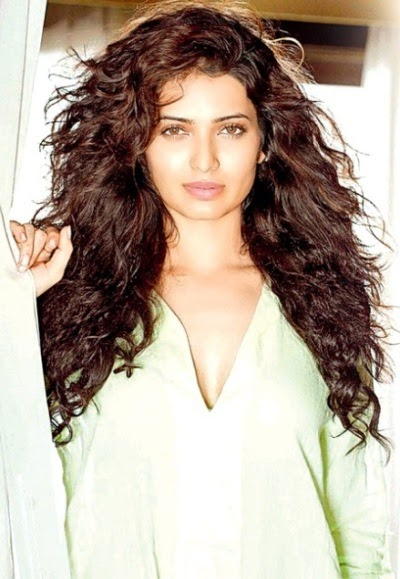 Karishma Tanna beautiful Wallpaper, Karishma Tanna hot images, Karishma Tanna pictures free, Karishma Tanna photoshot