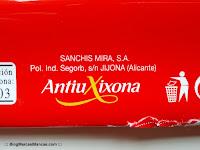 Sanchis Mira S.A. (Antiu Xixona) fabrica el chocolate con leche Hacendado de Mercadona.
