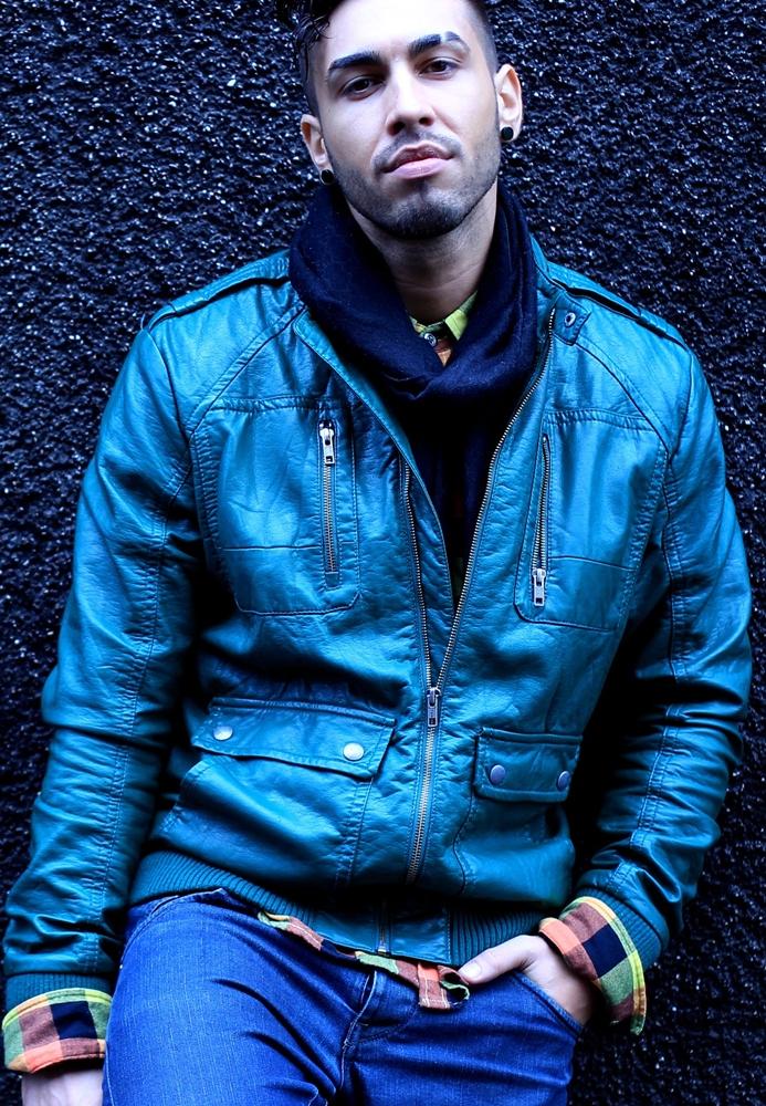 Free Celebrities: Romanian Singer Alex Velea
