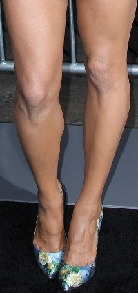 Paula Patton Toe Cleavage