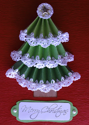 Free christmas tree card pattern with printable label