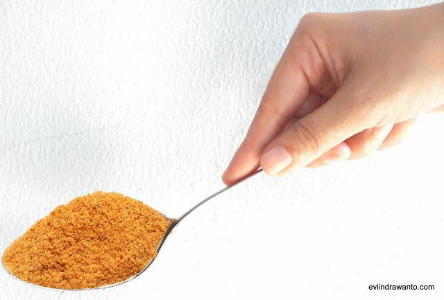 satu sendok gula semut