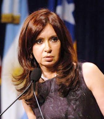 """Cristina Kirchner, indiciada por corrupção: """"Querem encobrir a crise"""""""