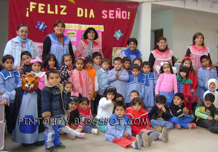 Pinto hoy el pimpollito festej el d a de los jardines for Canciones de jardin de infantes argentina