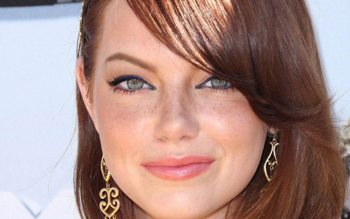 Emma Stone Widescreen HD Wallpaper 6