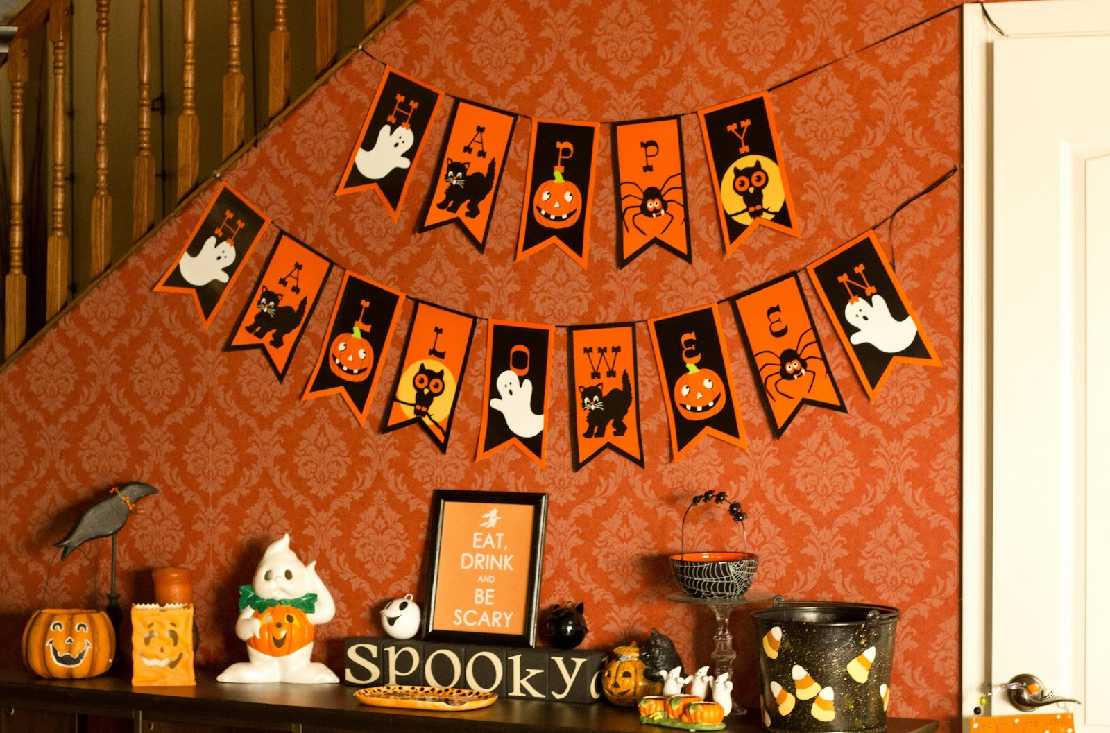 Vintage halloween window decorations - Vintage Halloween Vignette