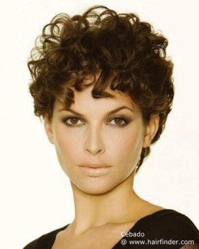 aqu las mejores imgenes de pelo corto con rizos para mujeres verano como fuente de inspiracin with rizos en pelo corto