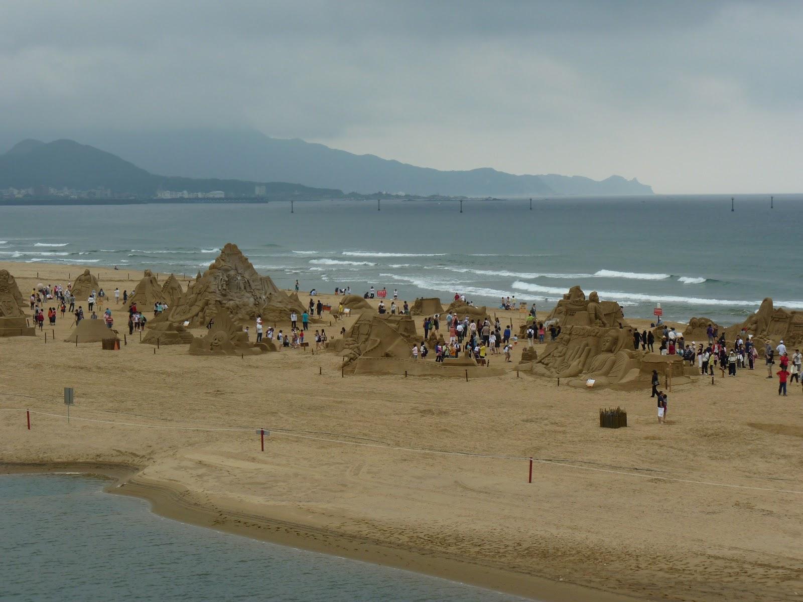 Fulong Beach 福隆海水浴場 - Foreigners in Taiwan - 外國人在臺灣