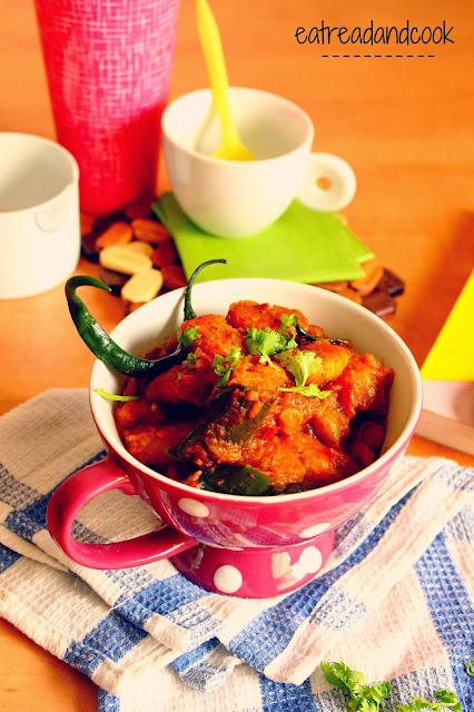 how to cook Alu Begun Chingri