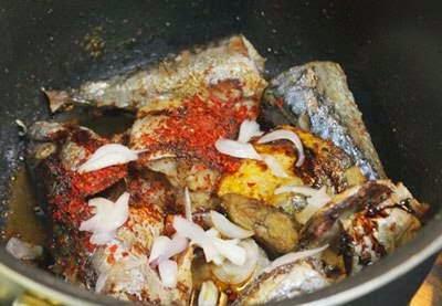 Vietnamese Fish Recipe - Cá Kho Dưa Cải Chua