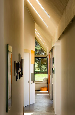 Light In Narrow Corridor Idea