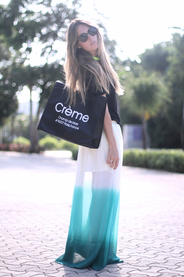 Spanish blogger with long skirt and wedge sneakers