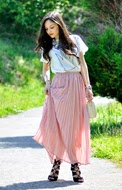 http://www.petitsweetcouture.com/2013/07/long-pink-skirt.html
