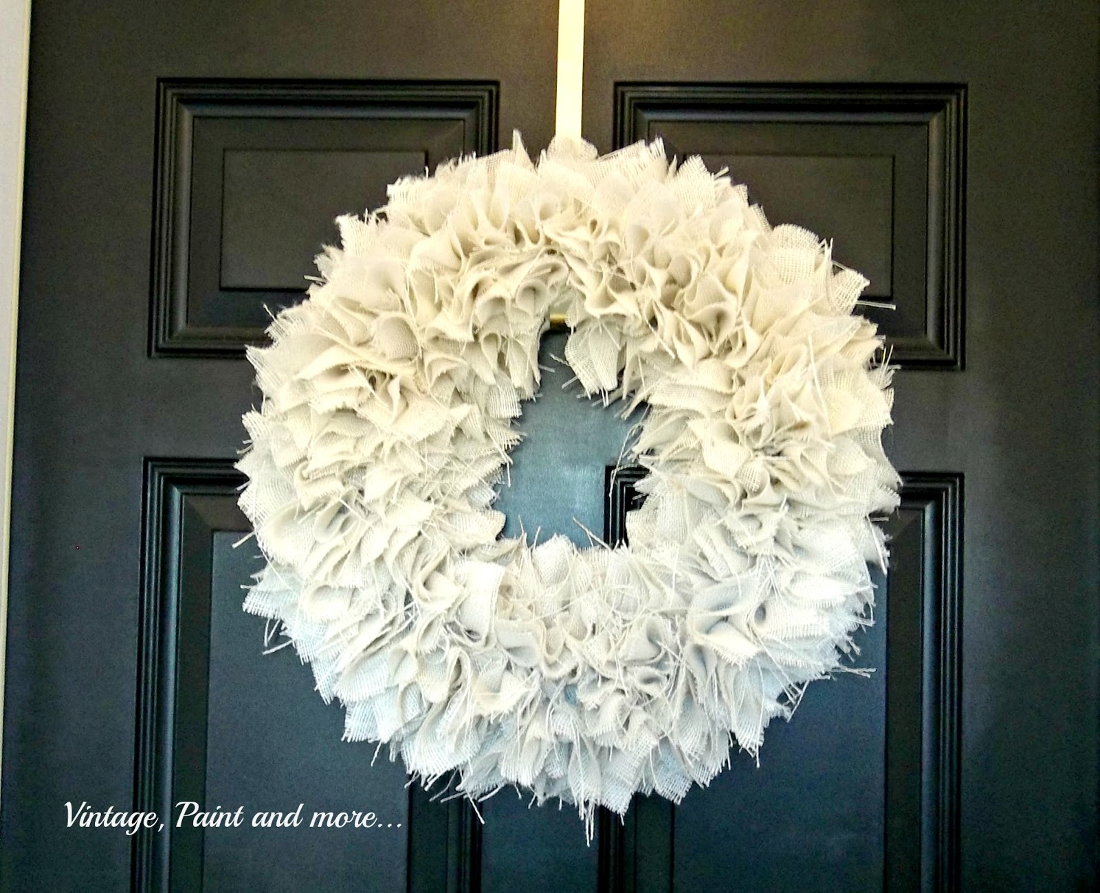 Vintage, Paint and more... a textured wreath for fall made from white burlap