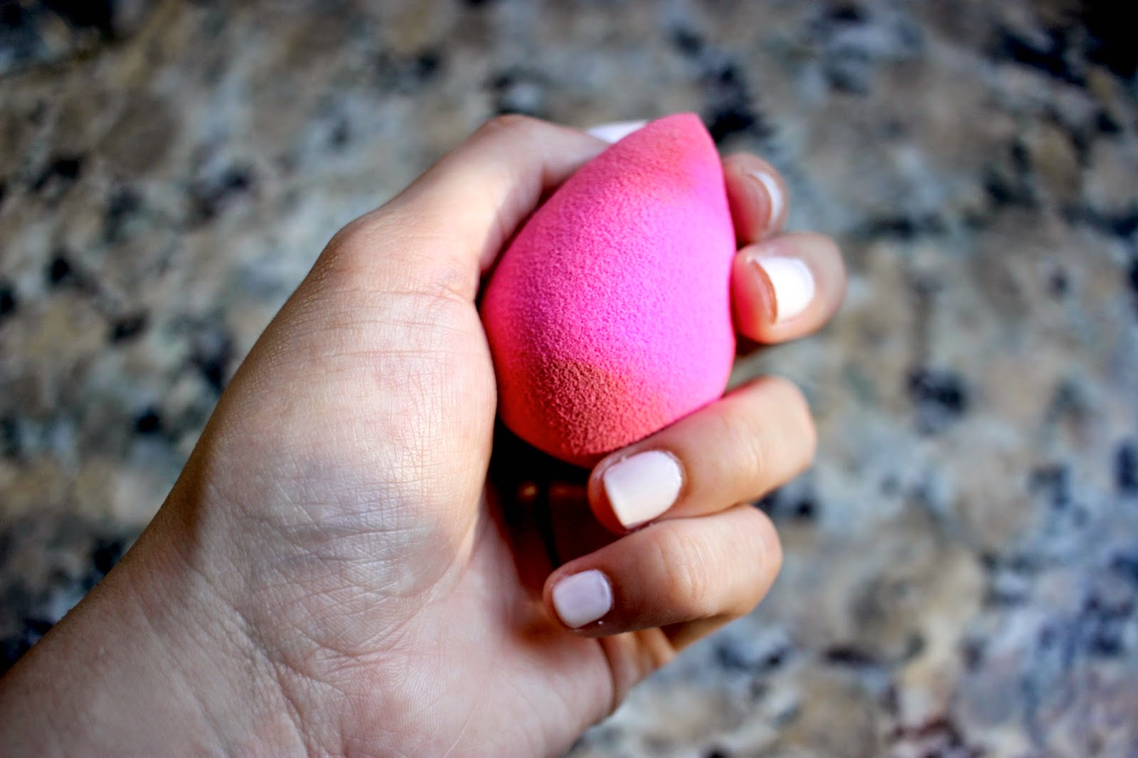 Earth Therapeutics Precisso Beauty Blending Sponge