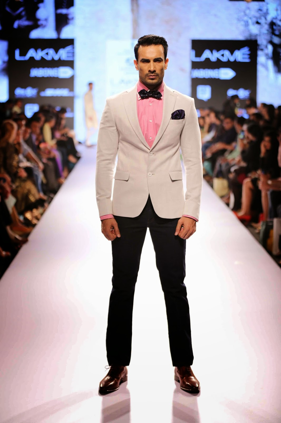 http://aquaintperspective.blogspot.in/, LIFW Day 2 , Raghvendra Rathore