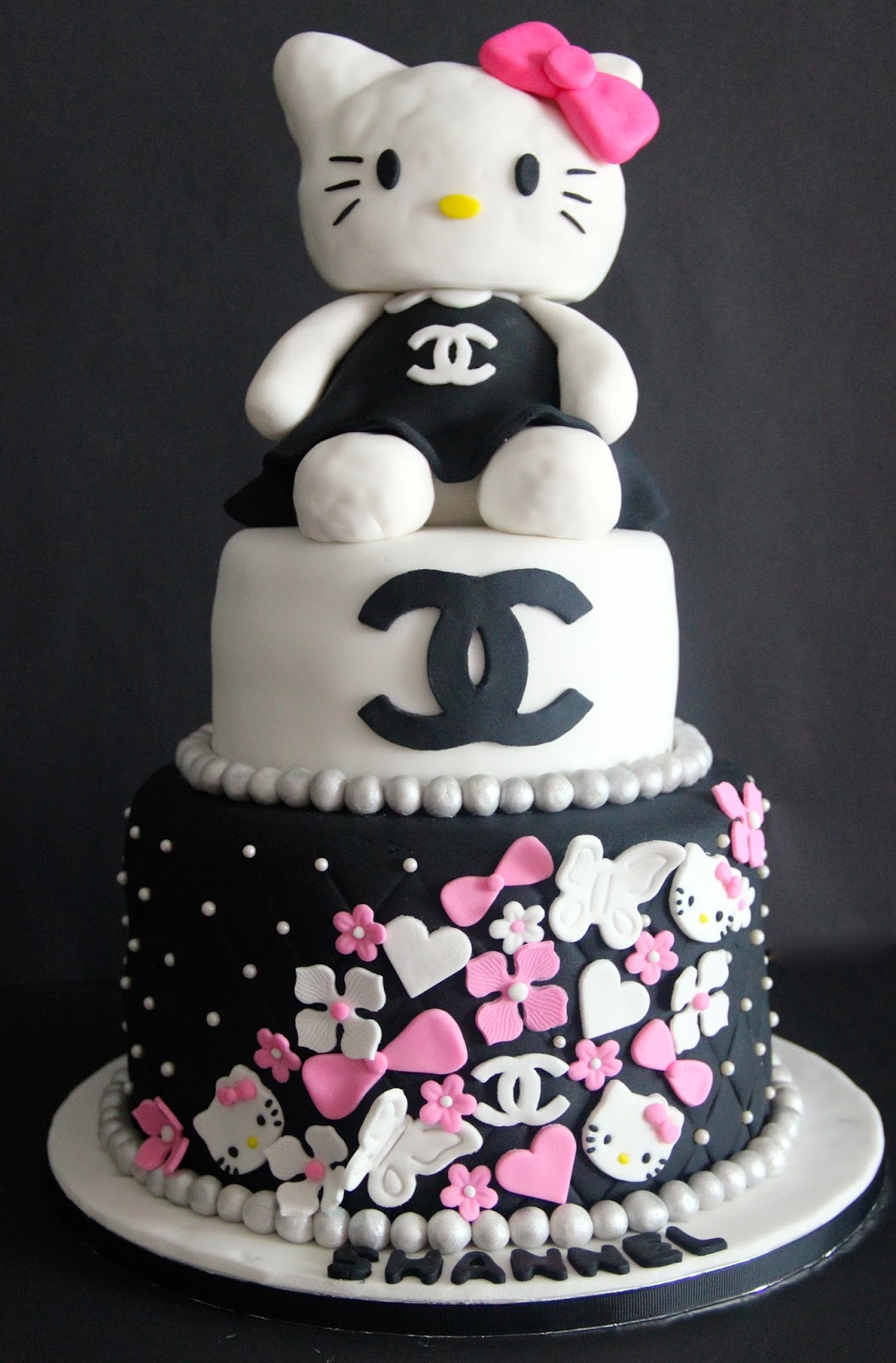 Temptations Chanel theme cake