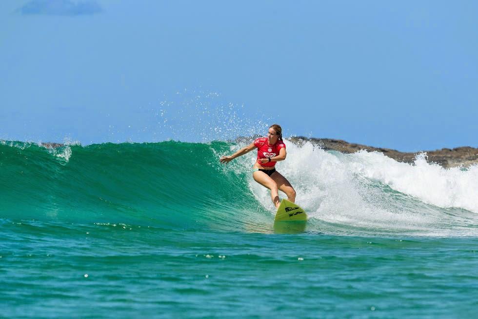 38 Roxy Pro Gold Coast 2015 Bianca Buitendag Foto WSL Kelly Cestari