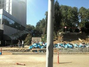 Уборка мусора протестущими в Турции