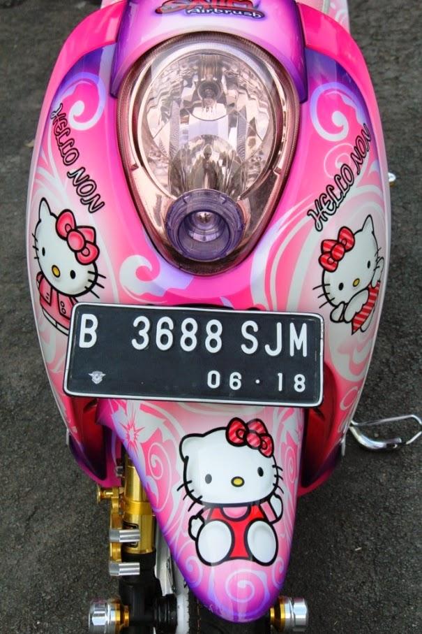 Modifikasi Honda Scoopy Tema Hello Kitty