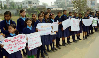 noise pollution in schools Noise pollution essay 3 (200 words) noise pollution is the pollution caused by the high and unsafe level of noise in the environment causes lots of health disorders to the human beings, animals and plants.