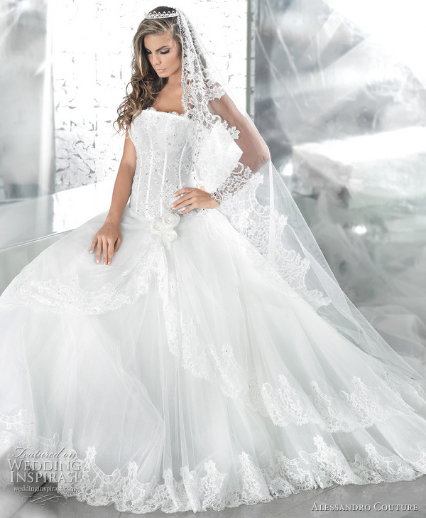 Winter Wedding Dress Designs With Snow White Wedding Dress