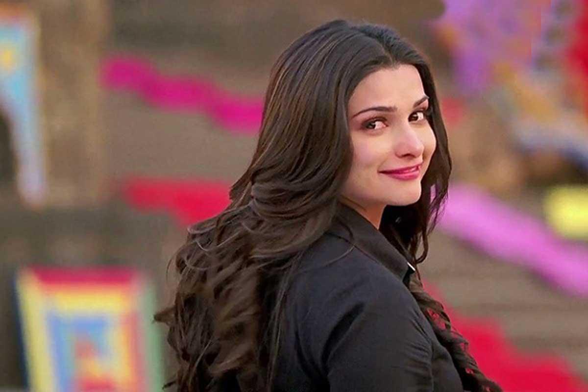 Prachi Desai HD Wallpapers Free Download
