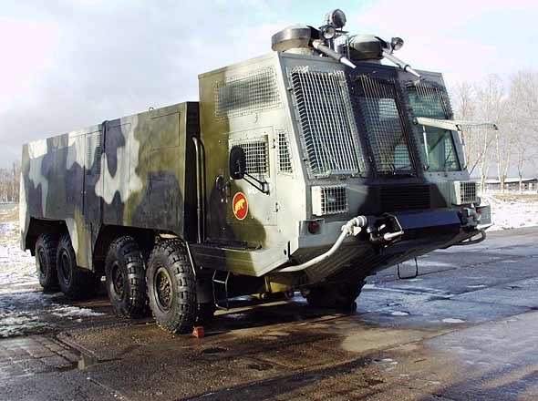 videos de camiones blindados antidisturbios rusia avalancha