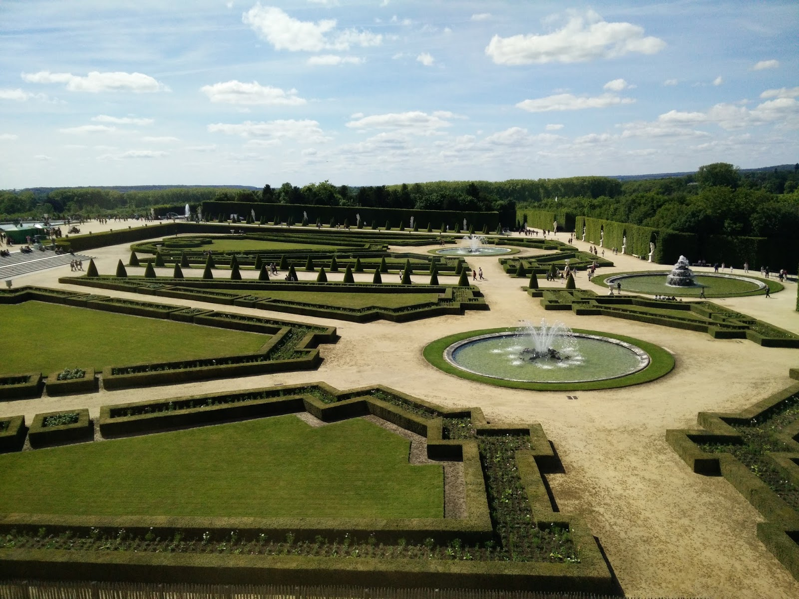 how to get to palace of versailles from paris
