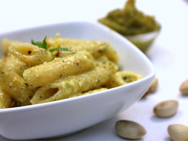 Q.b.- Quanto Basta: Pesto di pistacchi e mandorle.. e una deliziosa pasta..