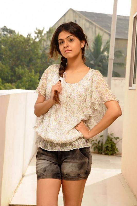 Actress Shobha Latest Hot Photos Stills cleavage