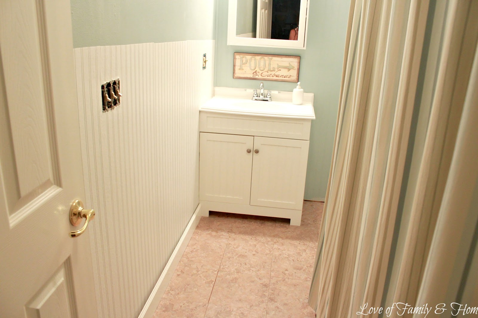 beadboard wallpaper tutorial - Bathroom Beadboard