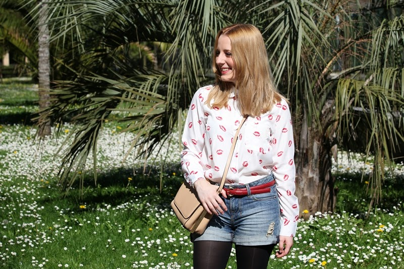 outfit_kisses_shirt_and_shorts-fashion_blogger_bilbao-persunmall-zara