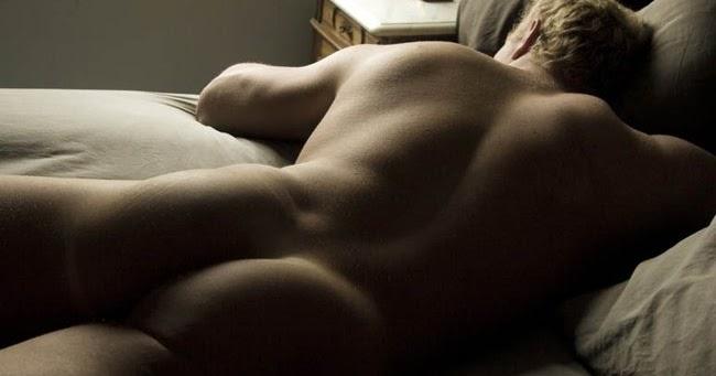 6 razones por las que siempre debes elegir estar desnudo