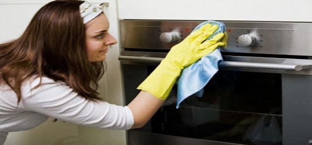 طريقة سهلة لتنظيف الفرن من الدهون و الأوساخ العنيدة في وقت قصير