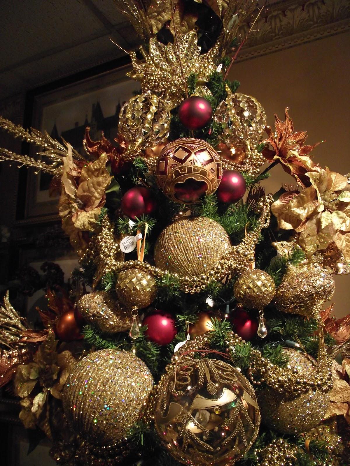 Blue christmas tree decorating ideas - Christmas Tree Decorations Gold And Red Decorating A Christmas Tree In