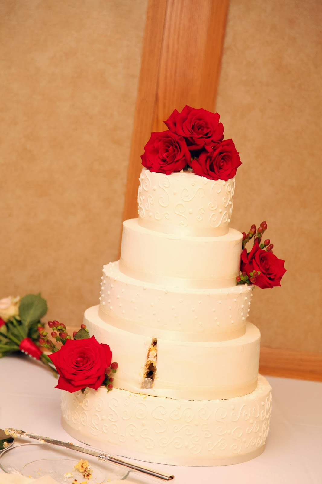 Ivory Rose Wedding Cake Noel Alderman J Adore Gateau