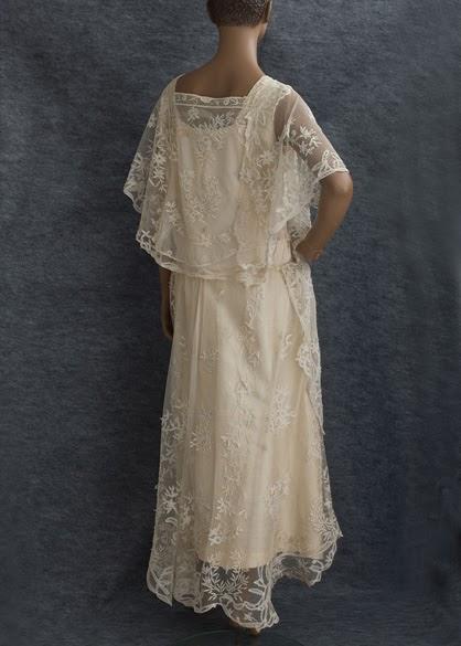 Little winter bride vintage 1920 39 s lace wedding dress for 1920s vintage wedding dresses