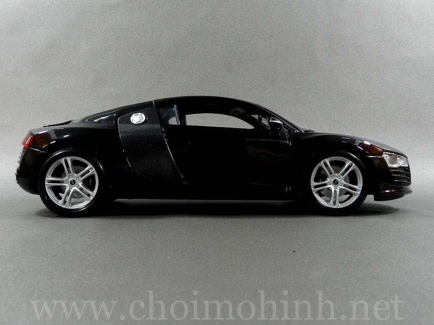 Audi R8 1:18 Maisto side