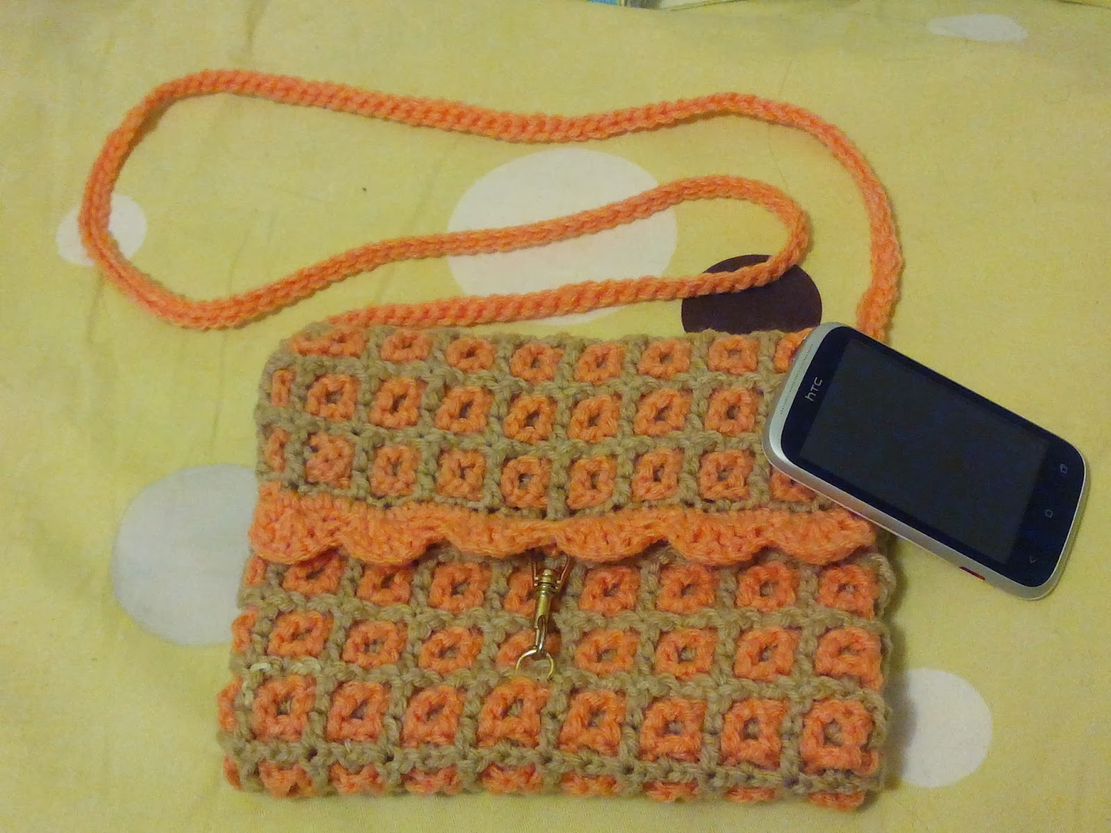 Sling bag crochet - This Sling Bag Is Made Using Intermeshing Crochet I Learnt This Stitch From My Mum S Book And Converted It Into A Bag