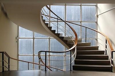 Decoraciones y mas escaleras super modernas en el 2013 for Modelos de escaleras modernas