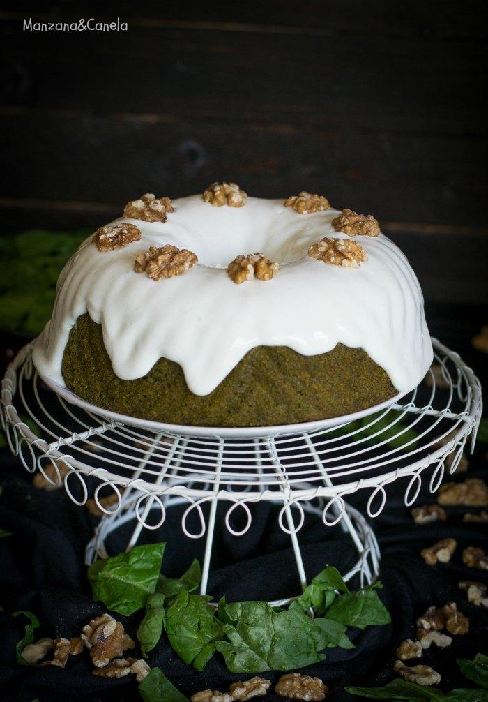 Bundt cake de espinacas y nueces