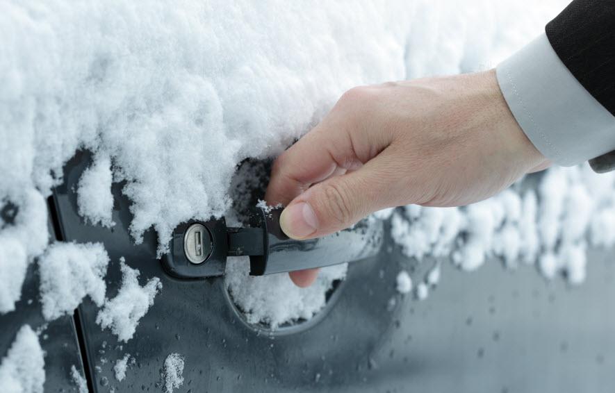 Что делать если замерз замок машины