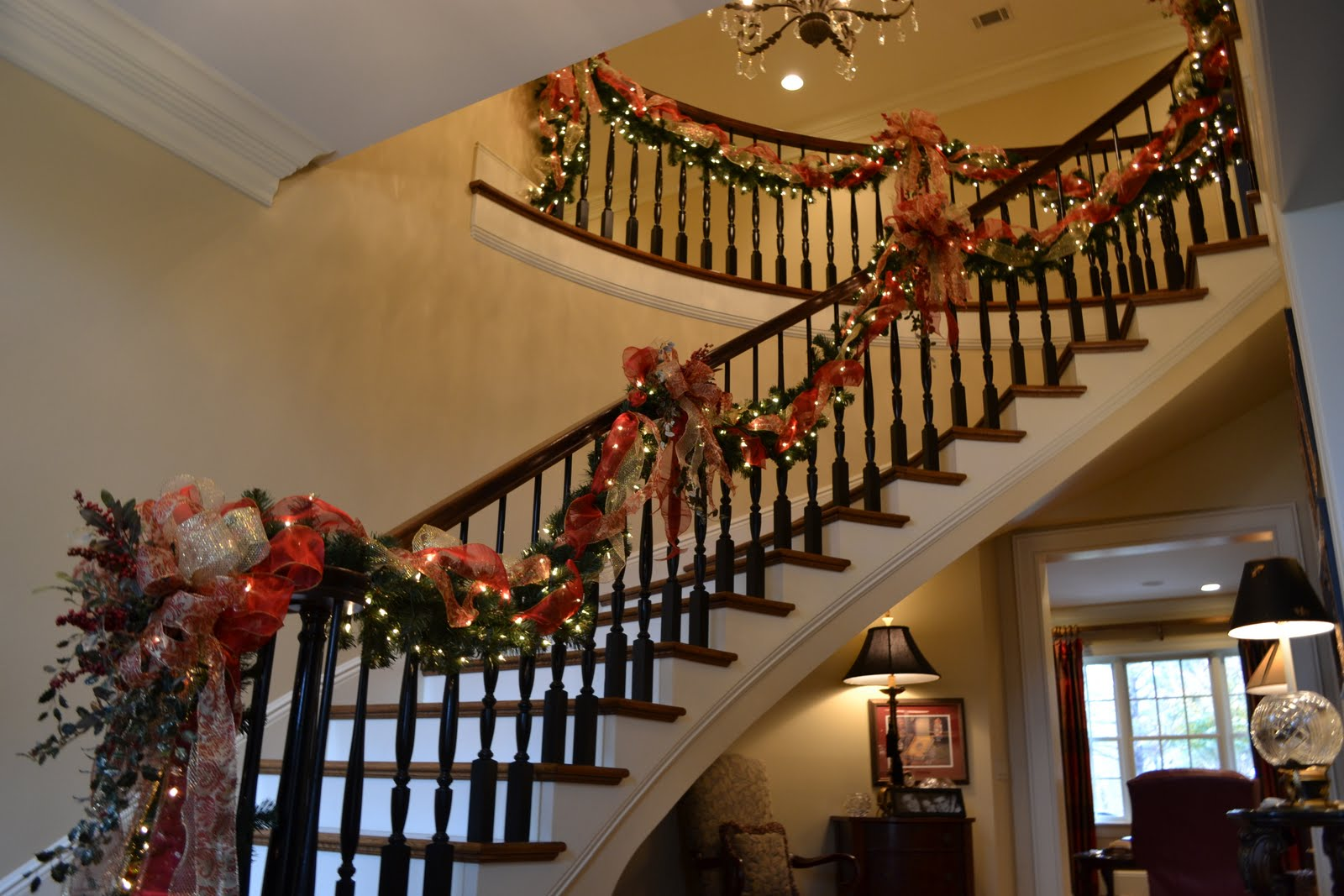 traditional christmas - Decorating Banisters For Christmas With Ribbon