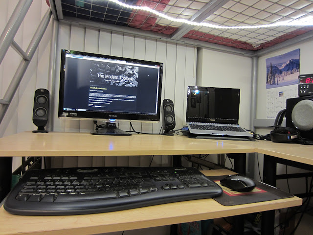 best woodworking plans l shaped computer desk staples wooden plans. Black Bedroom Furniture Sets. Home Design Ideas
