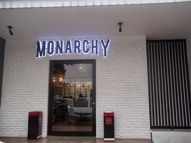 Monarchy Bistro, new destiny for your awesome hangout