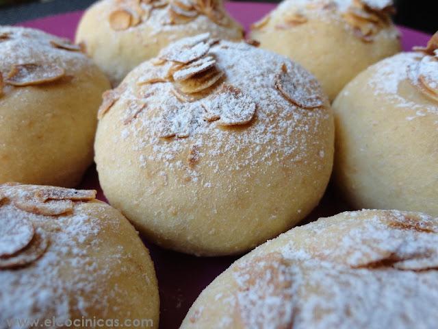 Pan de almendras, albaricoque y vainilla